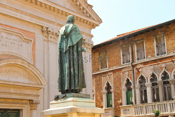 Statue of poet Paolo Sarpi in Venice, Italy