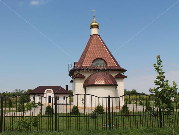 Храм в небольшом поселке Ставропольского края