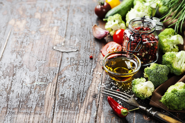 fresh green broccoli and organic vegetables