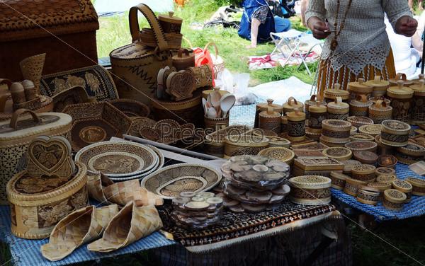 Выставка-продажа изделий народного творчества из бересты на Бажовском фестивале
