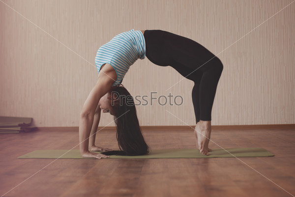 Stretching gymnast