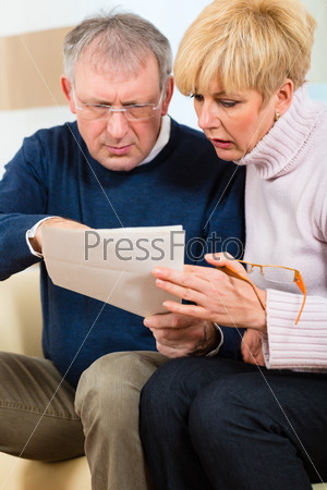 Seniors at home receiving a bad message