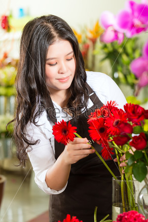 Saleswoman in a flower shop
