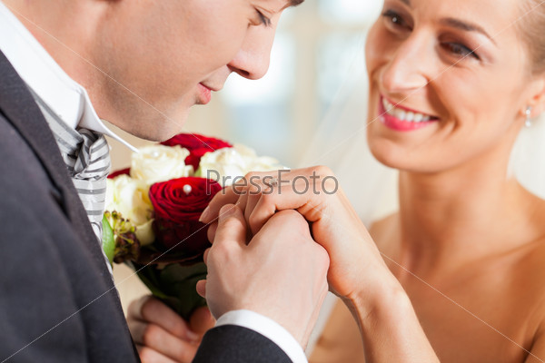Wedding couple giving promise of marriage