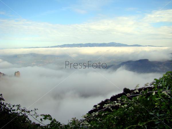 Небо и туман