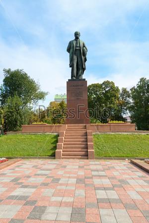 Taras Shevchenko monument in Shevchenko park, Kyiv, Ukraine