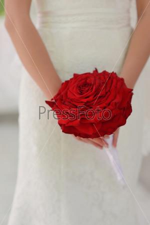 Невеста с красной розjq