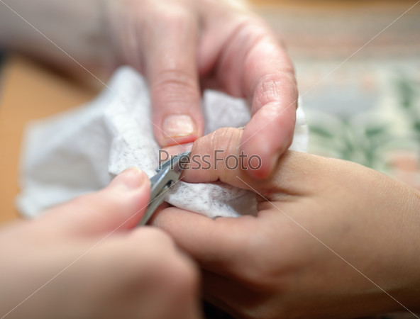 Technical execution of classical manicure