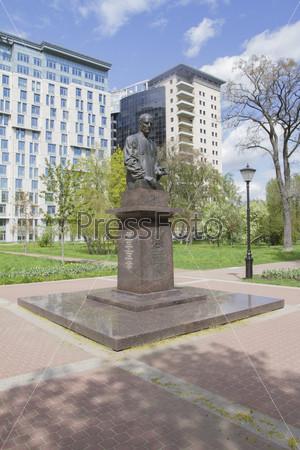 Памятник А. А. Собчаку