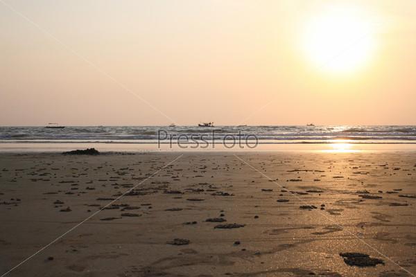 Закат на пляже Бенаулима