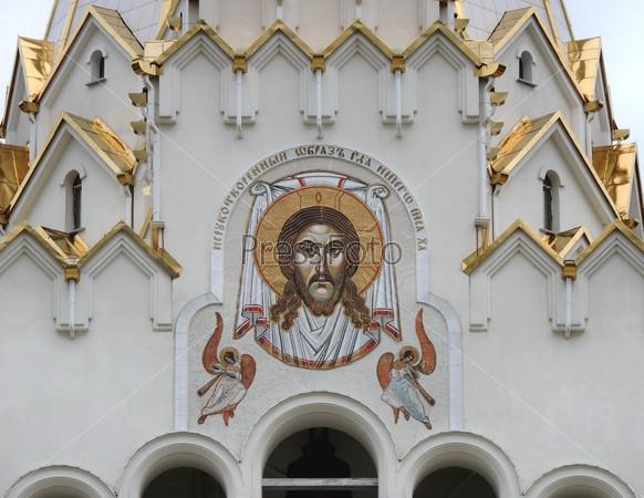Образ Иисуса Христа на стене православного собора в Минске.