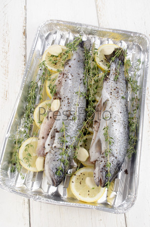 fresh trout with lemon and thyme