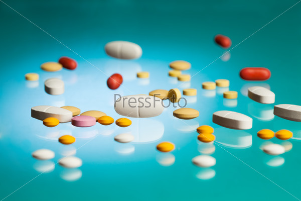 Many different pills and tablets in the lab