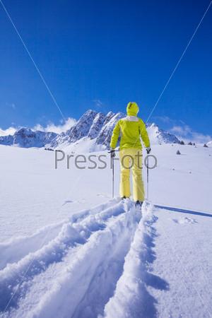 Concurring new snow land