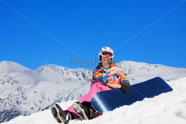 Snowboarder rest in snow