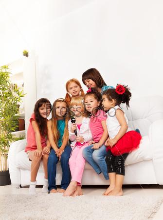 Group of singing kids