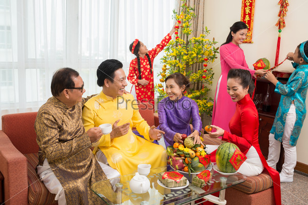 preparation for the tet holiday in