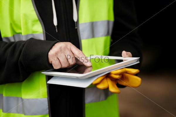 Руки строителя