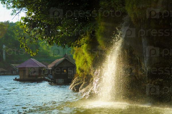 синтетическое, шерстяное водопады таиланд к реке квай ребенок просто осторожный