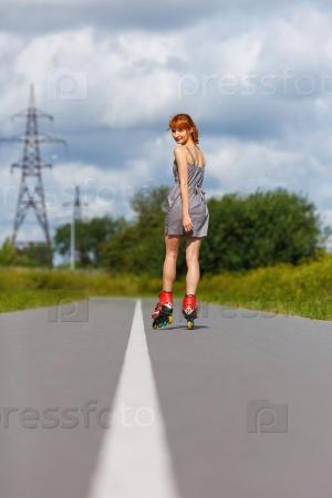Ноги девушек на роликах фото 250-200
