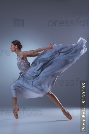 Длинное платье у балерин