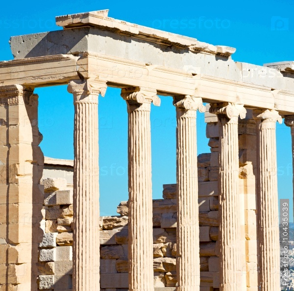 statue acropolis athens   place  and  historical    in greece th