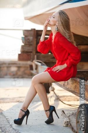 Страстная блондинка