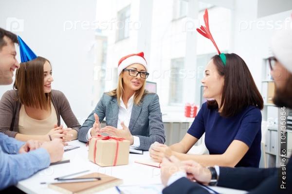 Explaining idea to colleagues