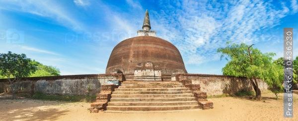 Rankoth Vehera. Polonnaruwa. Sri Lanka. Panorama