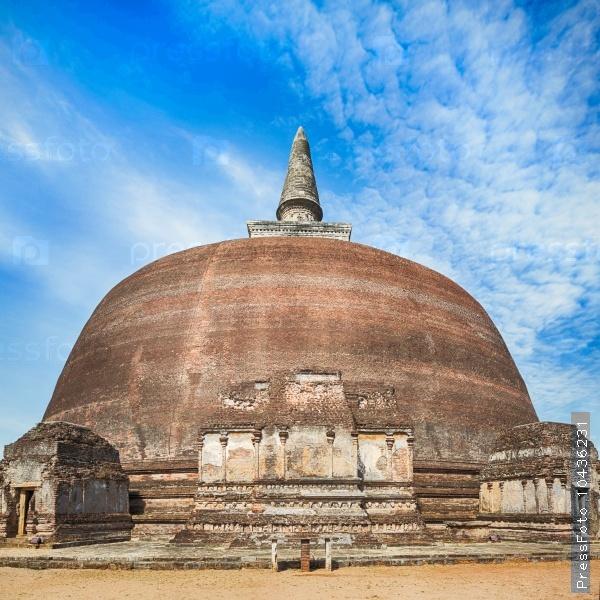 Rankoth Vehera. Polonnaruwa. Sri Lanka.