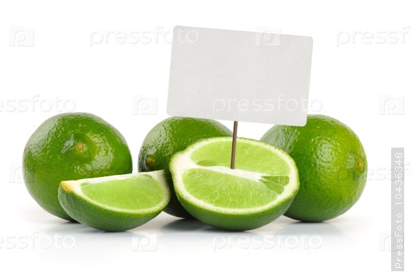 Limes whole and slices with price tag