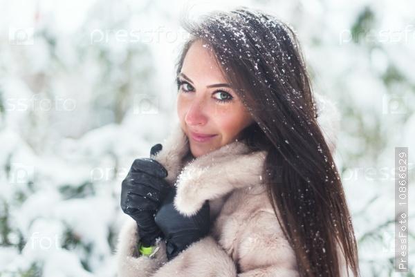 kak-krasivo-foto-zimoy-devushek-tantsuyu-striptiz