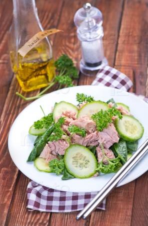 Салат деревенский с тунцом