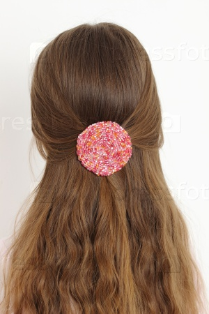 Модель со здоровыми волосами
