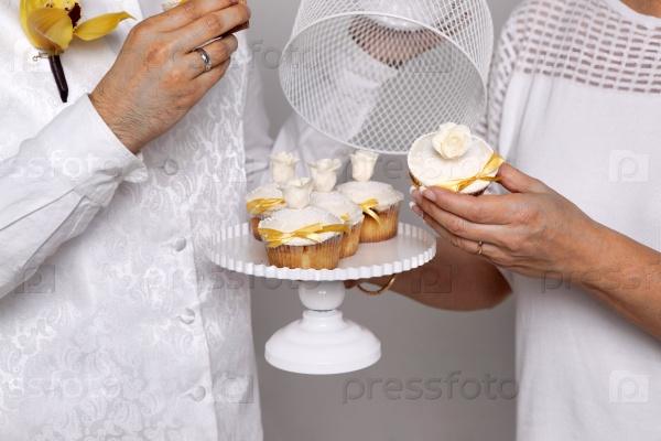 Свадебное пирожное