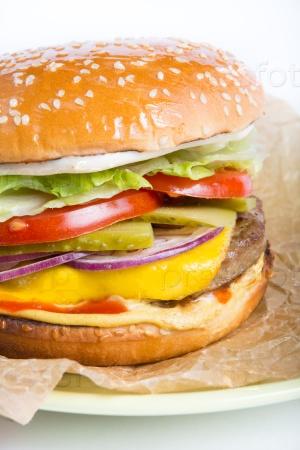 Свежий чизбургер