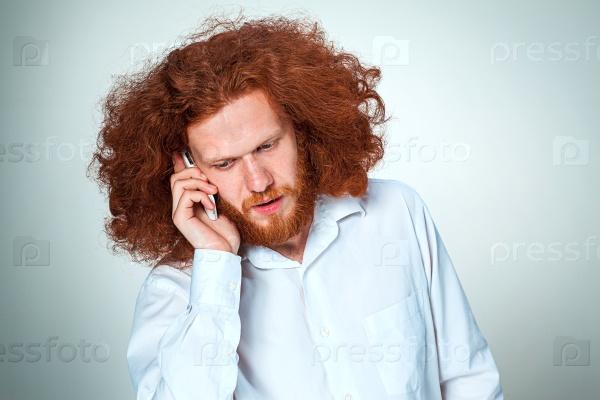 Озадаченный разговор по телефону