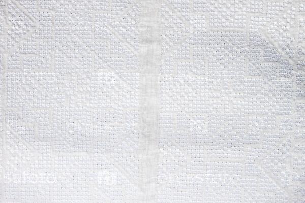 Вышивка на ткани фон
