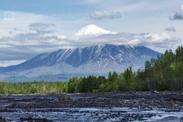 Пейзажи Камчатки: вулкан Острый Толбачик