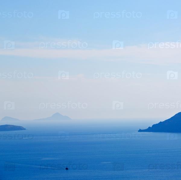 Холмы и скалы Санторини