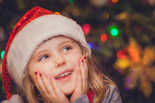 Милая девочка на Рождество
