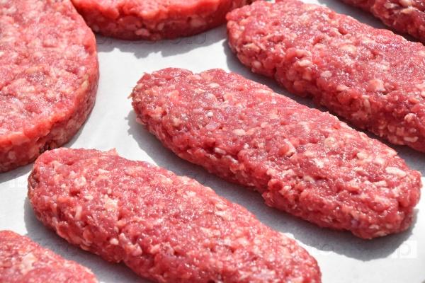 Сырое мясо для котлет