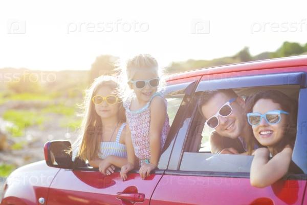Семьи в автомобиле