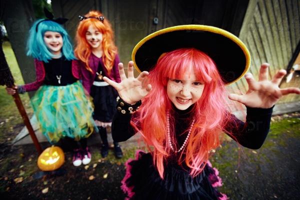 Милые ведьмы