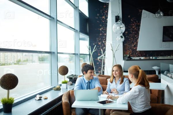 Интервью в кафе