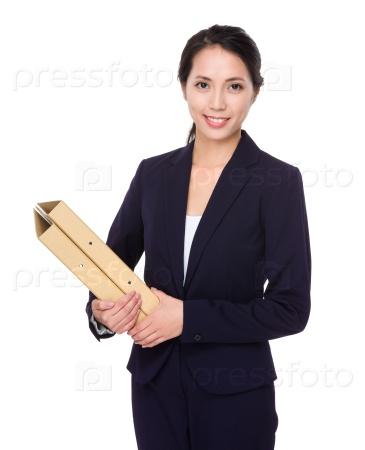 Деловая женщина с папками