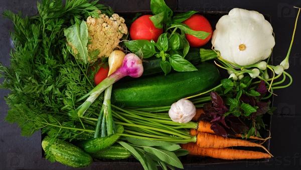 Набор свежих овощей