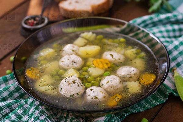 Диетический суп с куриными котлетками
