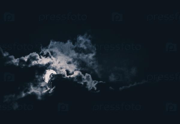 Драматическая луна