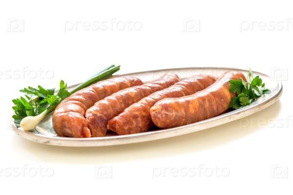 Сырые колбасы для жарки